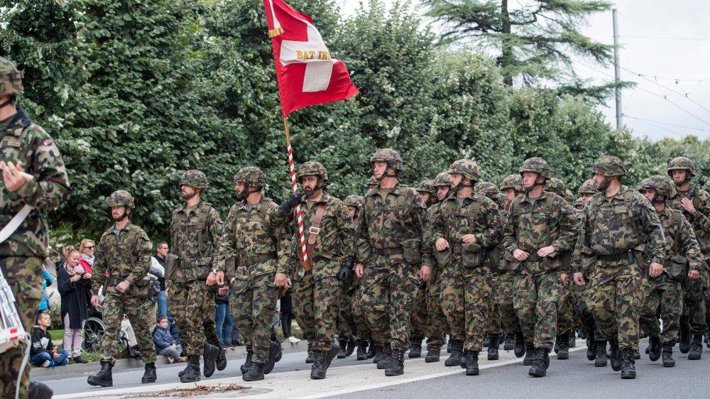 Les hommes suisses qui ne sont pas astreints au service militaire ou civil doivent payer une taxe d'exemption entre 19 et 37 ans.