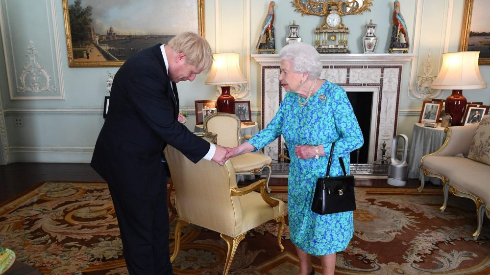 Hier, à Buckingham Palace,  Boris Johnson a été chargé  par la reine Elizabeth de former un nouveau gouvernement.