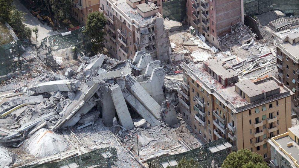 Les familles qui habitaient dans les immeubles au pied du pont Morandi, avenue Walter-Fillak, ont souvent tout perdu, sauf leurs souvenirs...