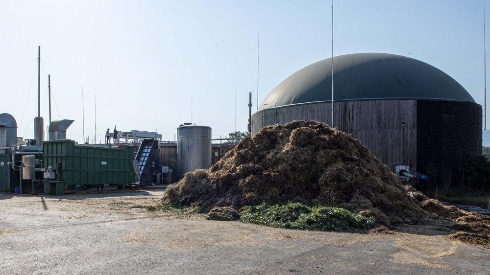 Marc Zeller et Charles Millo ont développé une installation de biogaz générant courant et chaleur à partir, entre autres, de fumier.