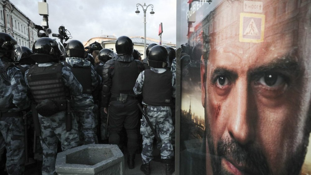La police moscovite a restreint la manifestation à une avenue.
