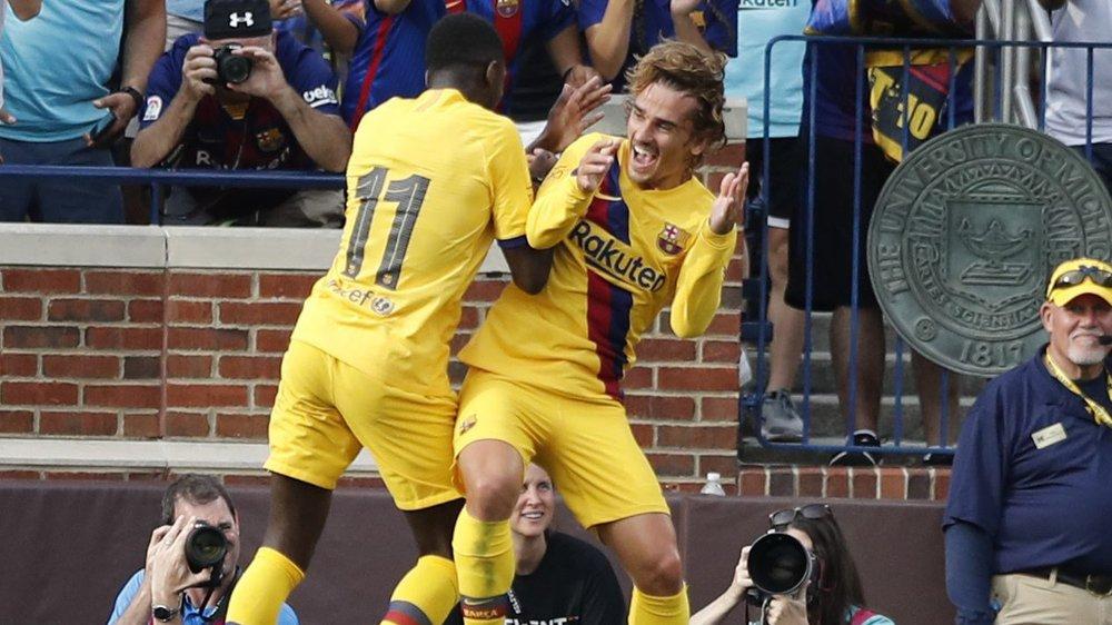Le transfert du Français Antoine Griezmann (à droite, en train de célébrer avec son compatriote Ousmane Dembélé) à Barcelone a été l'un des plus importants du mercato espagnol.