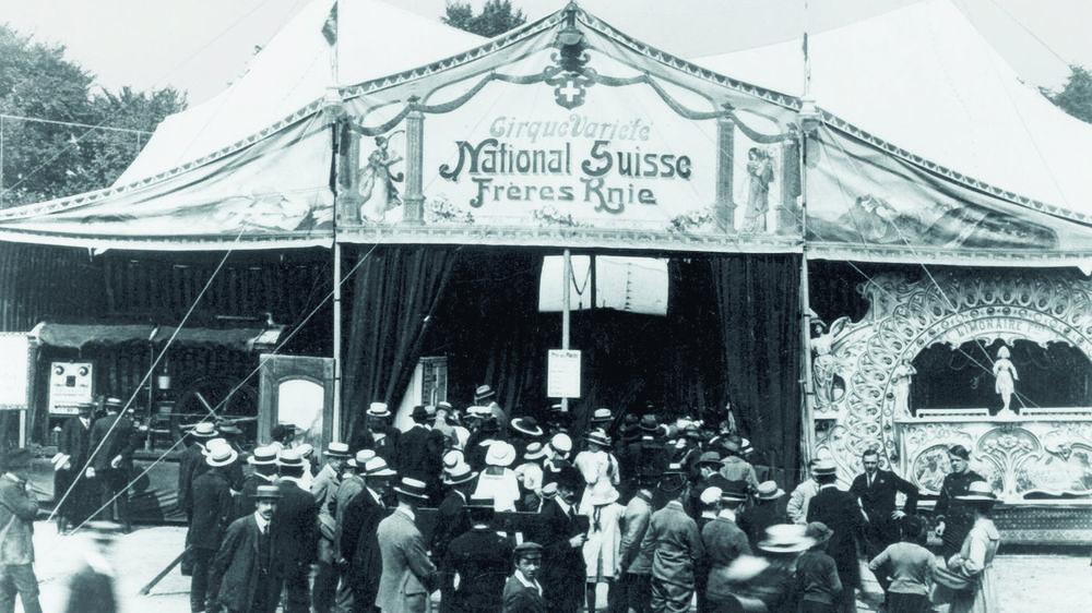 Le premier chapiteau des frères Knie en 1919.