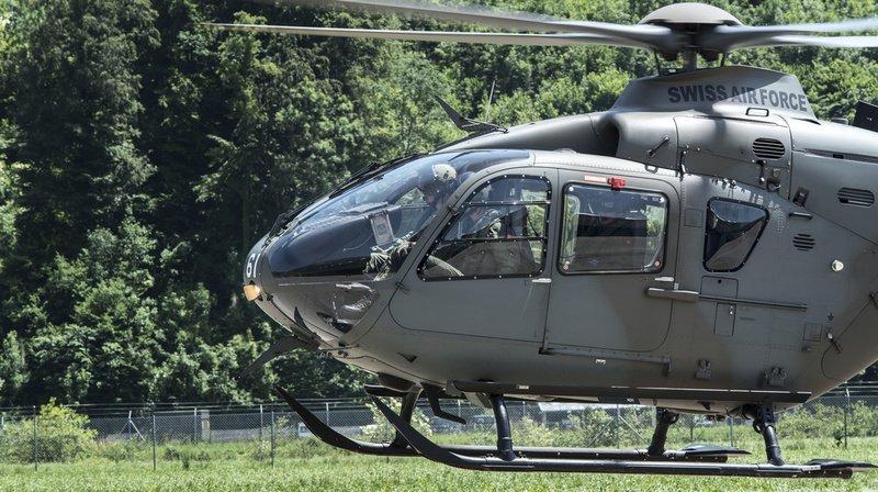 Tessin: un hélicoptère de l'armée suisse est en panne sur le col de Nufenen depuis lundi