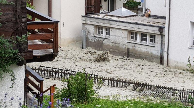 La raison de la crue soudaine du Triftbach est certainement la rupture d'une poche d'eau glaciaire souterraine.