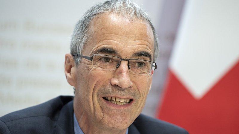 Suisse: le chef de l'administration fédérale des finances critique les salaires des fonctionnaires
