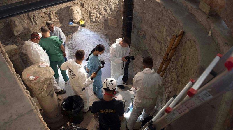 Des experts cherchent les ossements d'Emanuela Orlandi, une adolescente disparue en 1983, dans un ossuaire du Vatican.