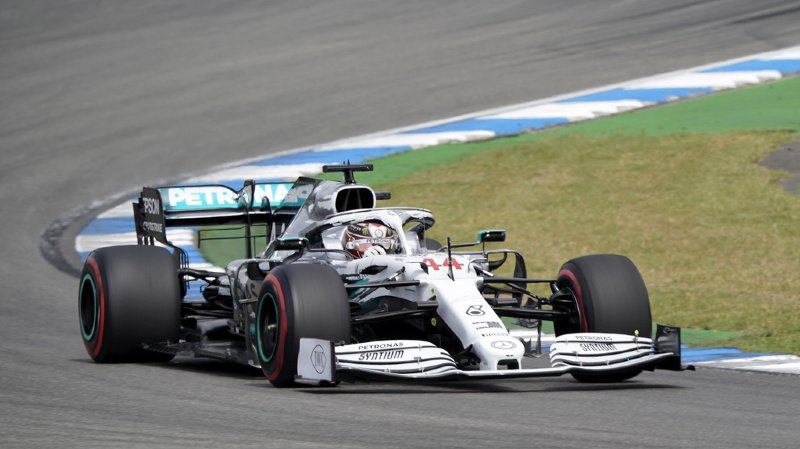 Lewis Hamilton et sa Mercedes partiront en première position, dimanche, à Hockenheim.