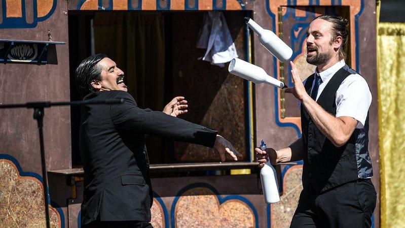 Amour et rires sur la Plage à La Chaux-de-Fonds