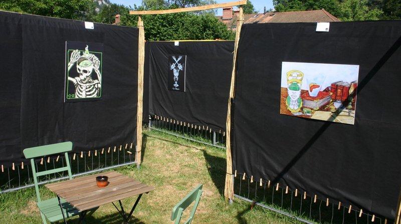 L'exposition rassemble les œuvres de trente-cinq artistes.