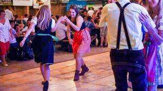 On danse et on lance aux Ponts-de-Martel