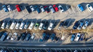 Pour financer les transports publics, les Verts neuchâtelois veulent un franc pour chaque parcage