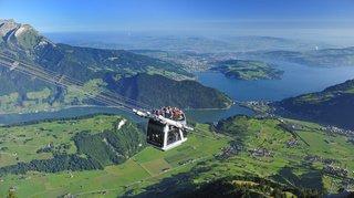 Nidwald: le téléphérique du Stanserhorn tombe en panne, 150 à 200 touristes évacués par hélicoptère