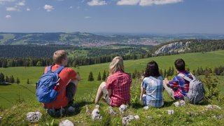 Huit bonnes lectures pour découvrir la Suisse autrement