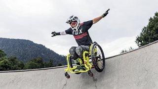 Une ex-championne de VTT neuchâteloise organise la première rencontre de skateboard en chaise