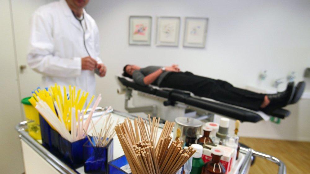 Le nombre de médecins généralistes installés en cabinets privés a tendance à diminuer. Et la relève n'est pas là.
