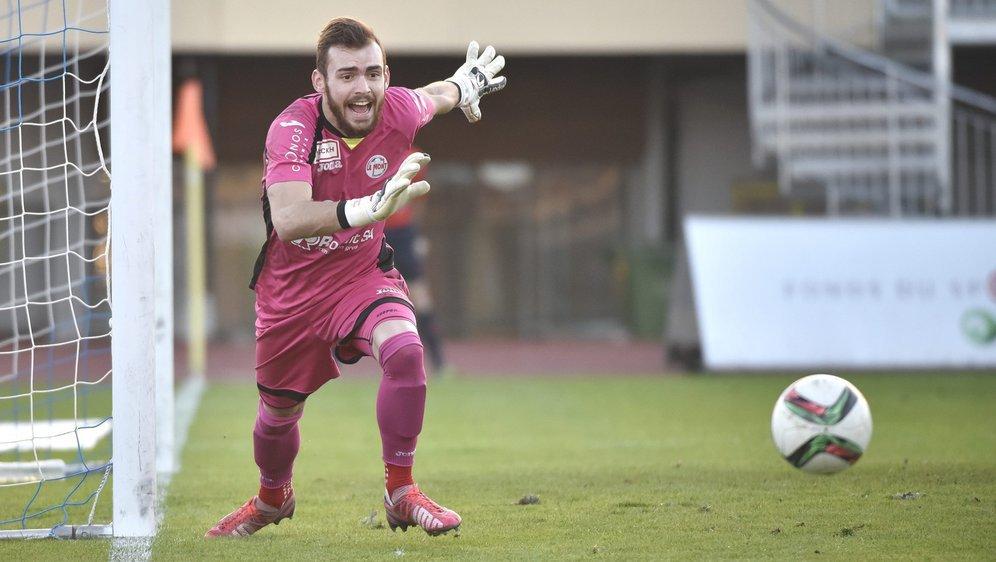 Même quand il défendait les buts du Mont, Maxime Brenet n'était pas professionnel. Il a cru que ce rêve allait devenir réalité au Bahreïn.