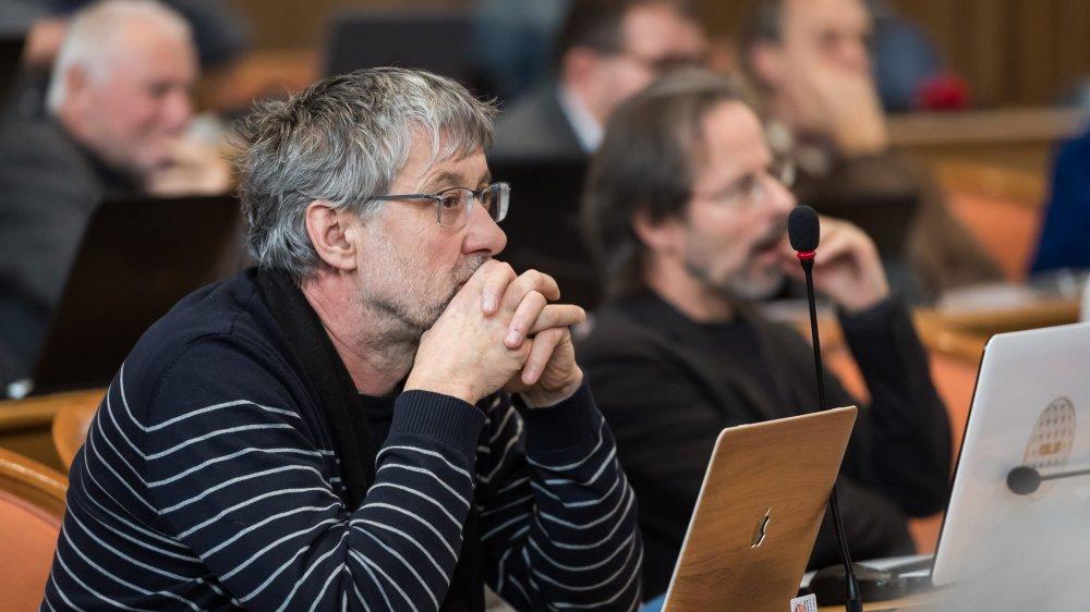 Le député vert Laurent Debrot pilote le comité référendaire contre l'interdiction faite aux conseillers communaux de siéger au Grand Conseil.