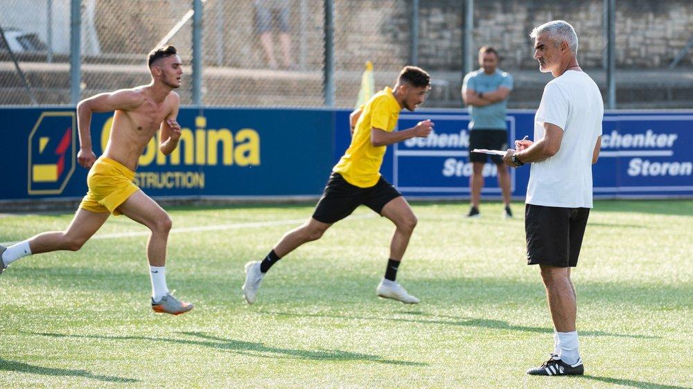 Jose Saiz et ses joueurs ont un nouveau président: Daniele Raffaele.   Photo: archives Lucas Vuitel