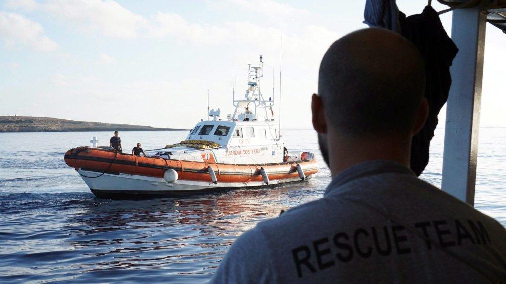 Le navire «Open Arms» se trouve près de Lampedusa.