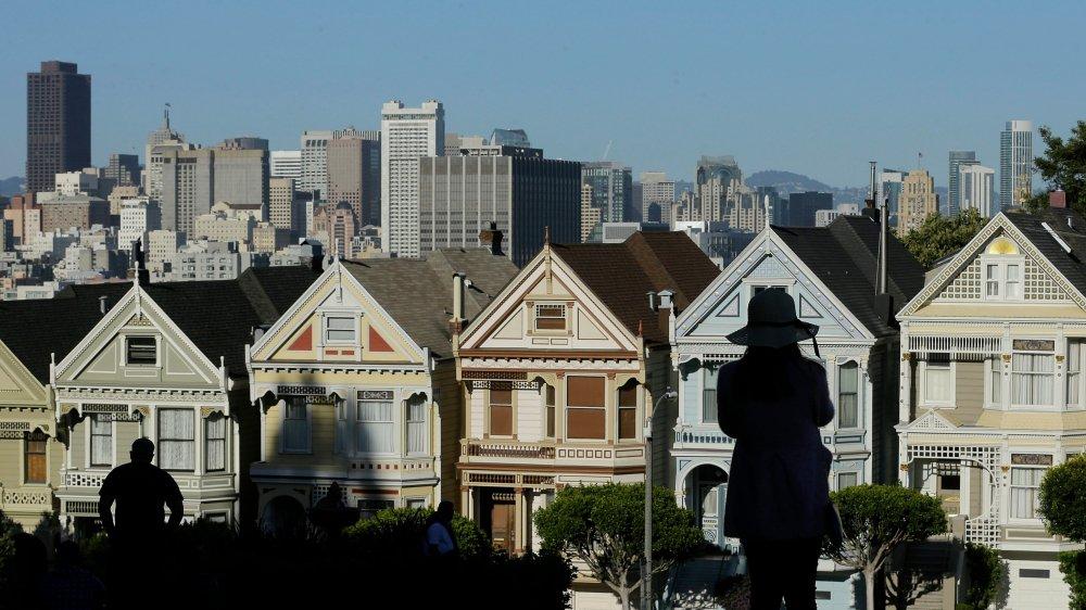 Suite à l'installation des géants de la technologie dans la ville américaine, les prix de l'immobilier ont grimpé en flèche, créant une pénurie de logements abordables.