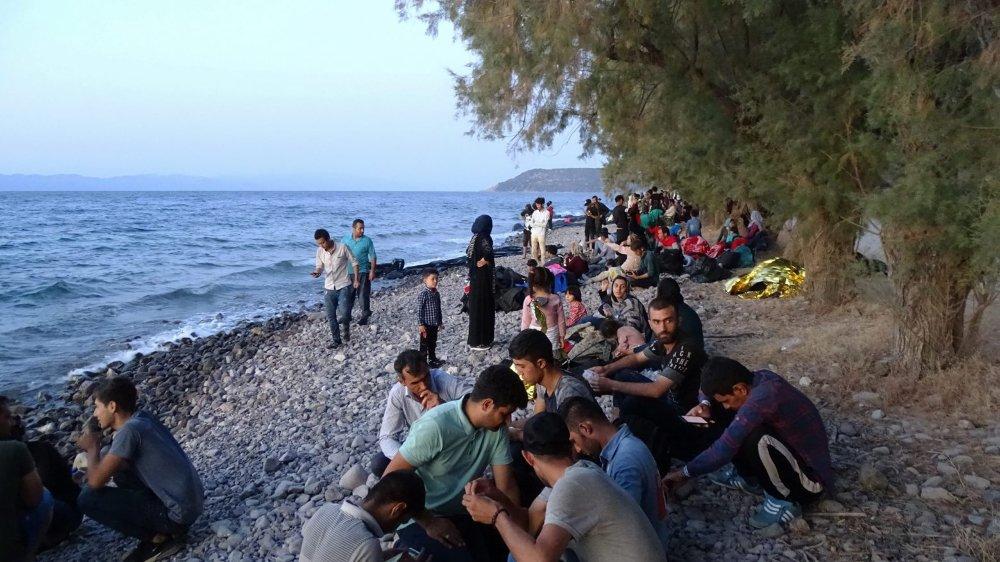 Treize bateaux sont arrivés, jeudi, à Lesbos, avec 540 personnes.