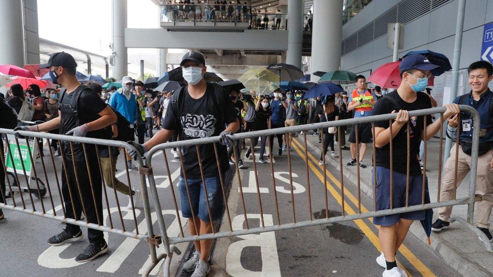 Les manifestants ont tenté de bloquer l'aéroport.