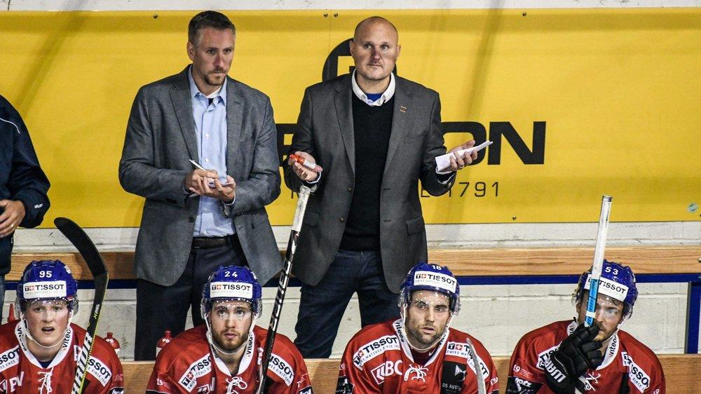 Mikael Kvarnström (derrière à droite) doit trouver des solutions, et vite.