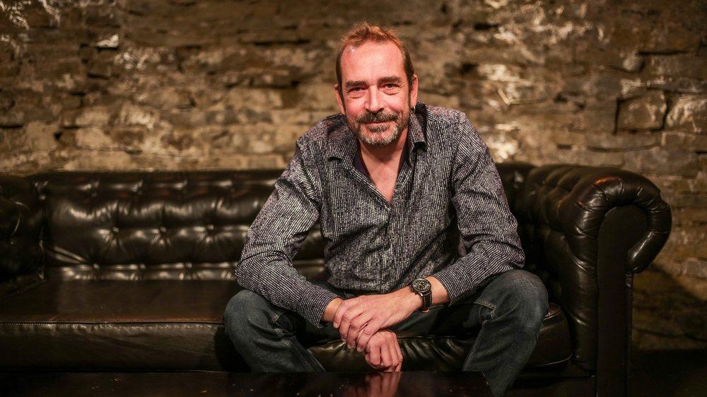 Philippe Cattin dans la cave du Café de Paris, où il organise des concerts de jazz depuis 20 ans.