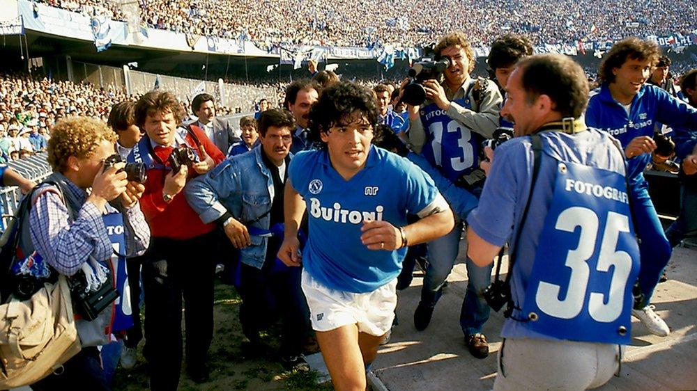 Diego Maradona, adulé puis conspué, au cœur d'un documentaire passionnant.