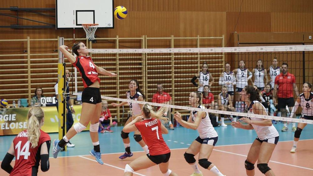 Gabi Schottroff (numéro 4) s'est régalé des passes de Méline Pierret (7), l'ancienne joueuse du NUC.