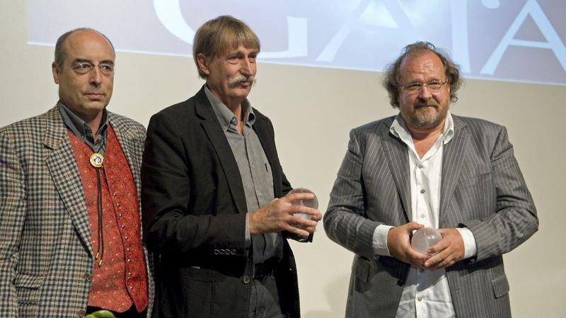 Jacques Müller (au centre) et Elmar Mock (à droite), deux des créateurs de la Swatch, ont reçu le Prix Gaïa en 2010.