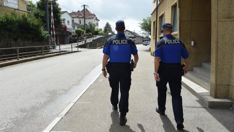 Plusieurs commerces ont été visités par les cambrioleurs dans la nuit de lundi à mardi à Saignelégier.