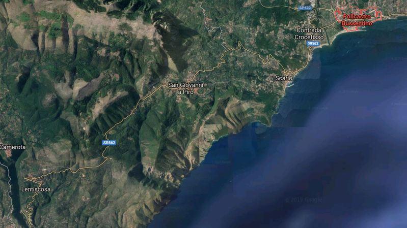L'accident s'est produit à quelques kilomètres de la localité de Policastro Bussentino.