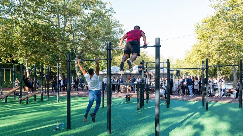 La Ville de Neuchâtel tient ses premières installations de Street Workout, ou fitness en plein air en français.