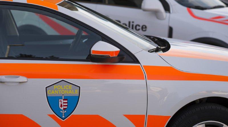 Jura: un automobiliste emboutit un véhicule de police