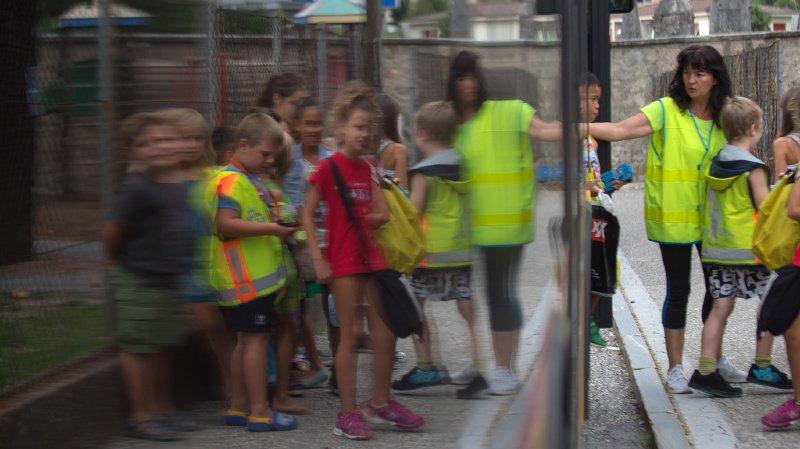 Cette évolution est renforcée par l'existence d'horaires adaptés à ceux des cours et de bus réservés aux transports scolaires. (illustration)