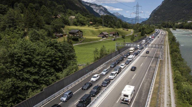 Le tunnel du Gothard est fermé dans les deux sens suite à un accident de la route ayant fait cinq blessés