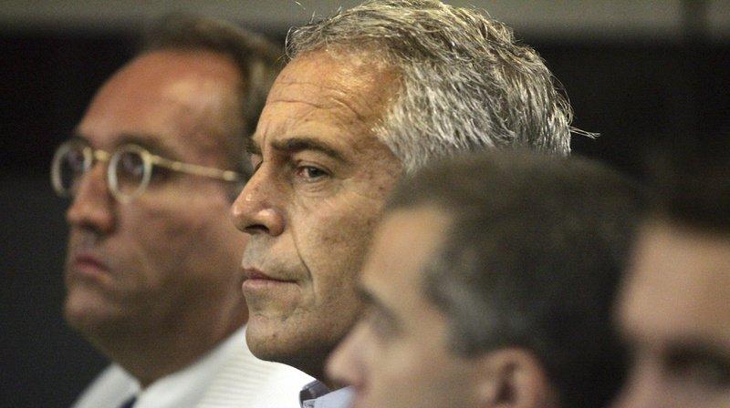 Jeffrey Epstein, 66 ans, a été retrouvé mort vers 06h30 samedi 10 août au Metropolitan Correctional Center, où il attendait son procès qui devait commencer au plus tôt en juin 2020.