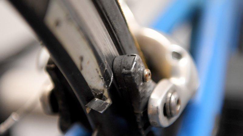 Un cycliste de 14 ans renversé à La Chaux-de-Fonds