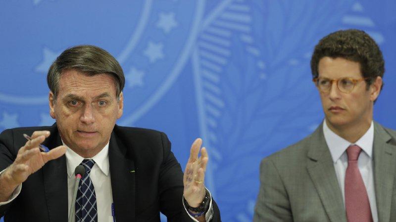 Le président brésilien (gauche) n'utilisera plus les stylos de la marque française bien connue.