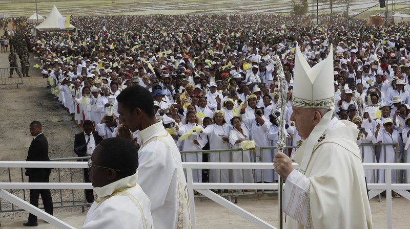 Madagascar: messe géante du pape en lisière de la capitale Antananarivo