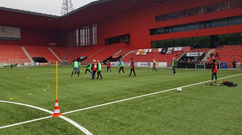 Ce sport d'équipe est pratiqué depuis peu avec des règles spécifiques dans le canton de Neuchâtel.