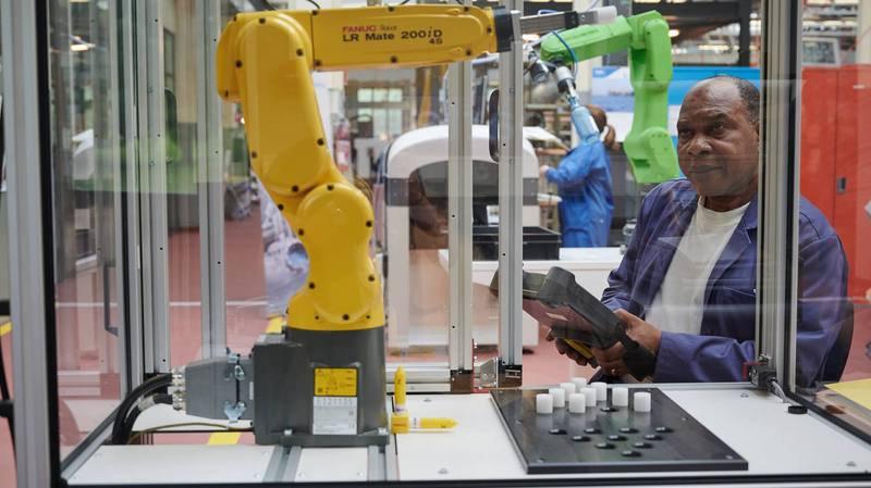 Le Centre neuchâtelois d'intégration professionnelle de Couvet forme des candidats pour les usines connectées