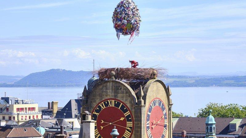 Il était 14h15 ce mardi 17 septembre, quand l'œuf géant a pris la voie des airs.