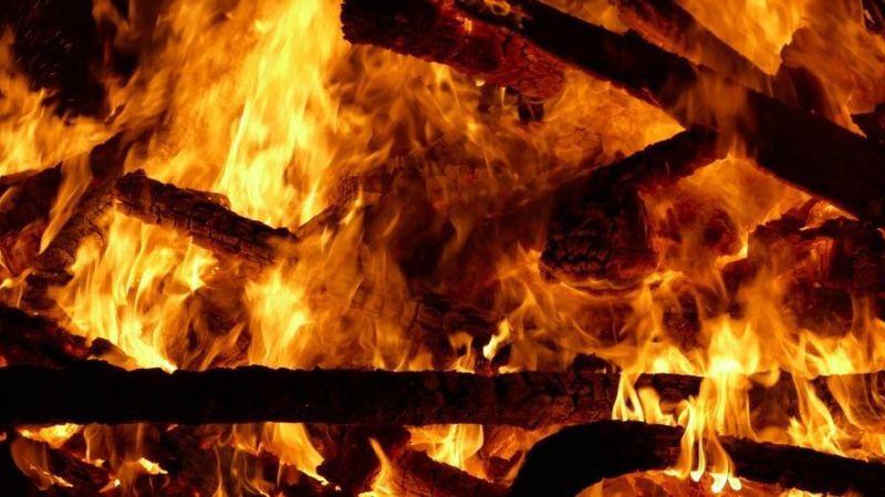 Gros incendies en France: centaines d'hectares dévastés