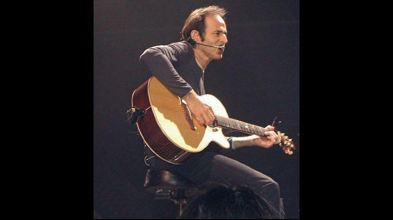 En plus de ses propres chansons, Jean-Jacques Goldman écrit et compose pour de nombreux autres artistes.