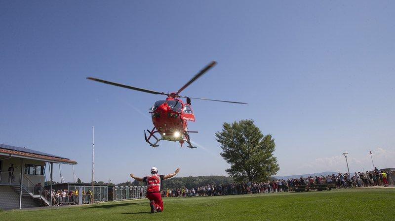 La fête internationale du sauvetage au port de Saint-Blaise a comblé petits et grands avec la venue de l'hélicoptère de la Rega.