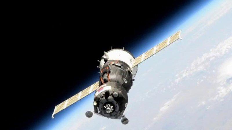 """Prévu en régime automatique, l'arrimage n'a pas eu lieu et le vaisseau a dû s'éloigner de l'ISS à une """"distance de sécurité""""."""