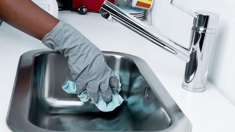 Dans certains secteurs comme le nettoyage, le taux de femmes qui exercent plusieurs boulots peut atteindre 24%.
